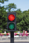 Red and green traffic light — Stock Photo