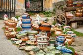 Ollas de cerámica tradicionales para la venta — Foto de Stock