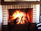 Brennenden kamin — Stockfoto