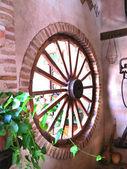 Scène rustique avec wagon wheel — Photo