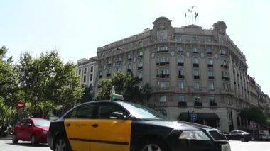 Barcelona, downtown traffic — Stock Video