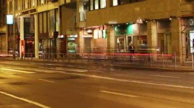 Ville européenne à nuit timelapse — Vidéo
