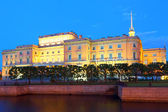 St Petersburg at night Engineering palace — Stockfoto
