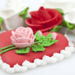 Cake with roses — Stock Photo #9332686