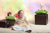 Girl sitting on the floor — Stock Photo