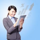 šťastné ženy s tablet pc — Stock fotografie