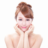 Woman with beauty face and perfect skin — Stock Photo