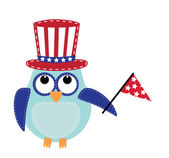 Owl wearing a patriotic uncle sams hat holding a flag — Stock Vector