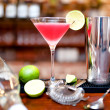 ������, ������: ��� Alcoholic cocktail drink with vodka and triple sec on counter at bar