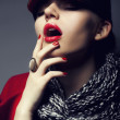 Trendy fashion young woman in modern cap - stylish make up — Stock Photo