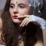 Portrait of Fashionable Lady in White Retro Veil - Romance — Stock Photo #17133259