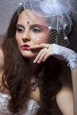 Retrato de dama moda en velo blanco retro - romance — Foto de Stock