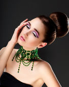 Fresh Woman Face. Necklace with Emerald Gemstones - Luxury — Stock Photo