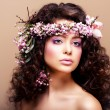 Luxuriant. Femininity. Fashion Model with Classic Wreath of Flowers — Stock Photo