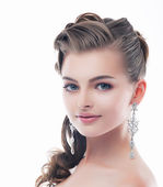 Jewelry. Glamorous Smiling Brunette with Brilliant Earrings. Sophistication — Stock Photo