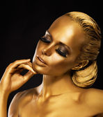 Stage. Theater. Luxurious Woman in her Dreams. Golden Color. Jewelry — Stockfoto