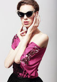 High Fashion. Glamorous Elegant Woman in Dark Sunglasses. Magnetism — Stock Photo