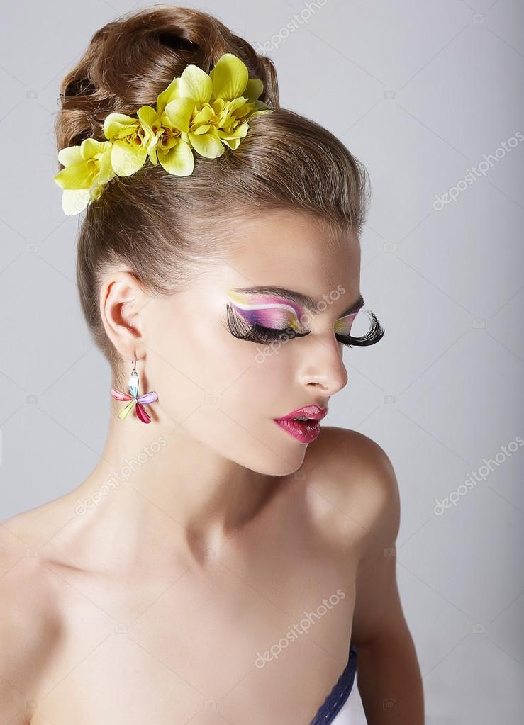 Trendy Eye Makeup Long