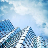 Skyscraper against sky — Stock Photo