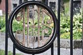 Cadastre-se no portão do cemitério — Foto Stock