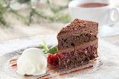 Fresh and sweet cake on dish — Stock Photo