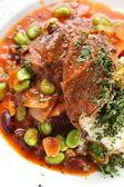 Warme salade met stukken van vlees — Stockfoto