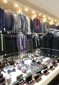 ヨーロッパのブランドの新しい洋服店 — ストック写真