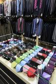 Evropské zbrusu nové oblečení shop — Stock fotografie