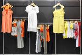 欧洲品牌新衣服店 — 图库照片