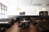 Beautiful interior of modern restaurant — Stockfoto