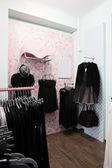 Tienda de ropa europea con enorme colección — Foto de Stock
