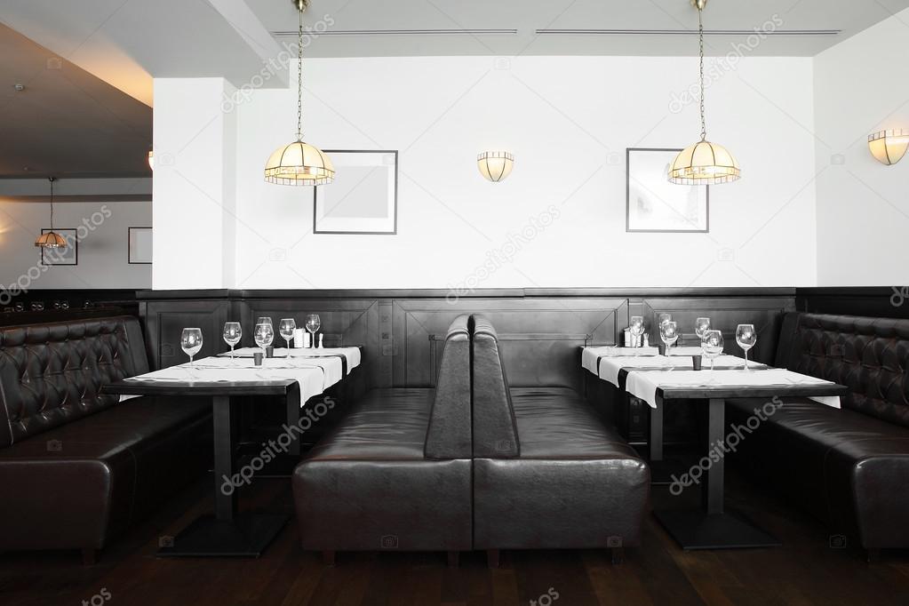 Bel int rieur de restaurant moderne photographie fiphoto for Interieur restaurant
