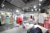 Innenausstattung des hellen Unterwäsche shop — Stockfoto