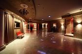 Schöne europäische nacht club innen — Stockfoto