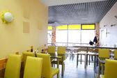 Restaurant européen aux couleurs vives — Photo