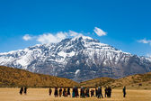 Group Buddhist Pilgrims Himalaya Mountain — Stock Photo