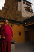 Ethnic Tibetan Monk Dhankar Monastery Courtyard — Stock Photo