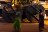 Big Ratha Chariot Wheels Women Gokarna — Stock Photo