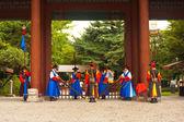 徳寿宮ガードの入り口のゲートウェイの広い — ストック写真