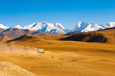 Road Himalaya Mountain Peaks Truck Transportation — Stock Photo