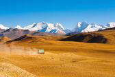 Road Himalaya Mountain Peaks Truck Transportation — Stock Photo