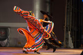 Twisting Mexican Hat Dance Jalisco Orange Couple — Stock Photo