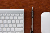 Keyboard Mouse and Pencil — ストック写真