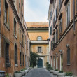 Street scene from Trastevere district of Rome, Italy — Stok Fotoğraf #14081614