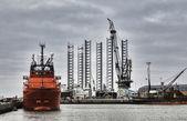оффшорные гавани в городе эсбьерг, дания — Стоковое фото