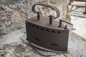 Classico vecchio e arrugginito legna ferro — Foto Stock