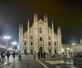 Piazza del Duomo at night, Milan, Italy — Stock Photo