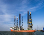Jack up rig in Esbjerg oil harbor, Denmark — Stock Photo