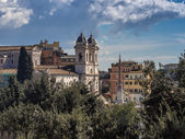 Trinita dei Monti church on top of the Spanish steps in Rome — Stock Photo