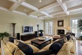 Habitación familiar con chimenea — Foto de Stock